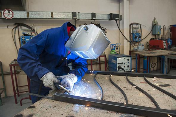 offre emploi urgent recrute metallier serrurier